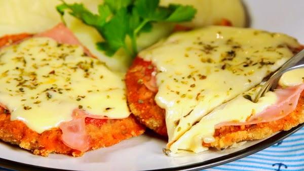 Milanesa Napolitana, El Manjar Argentino Salido de Quien Sabe Donde